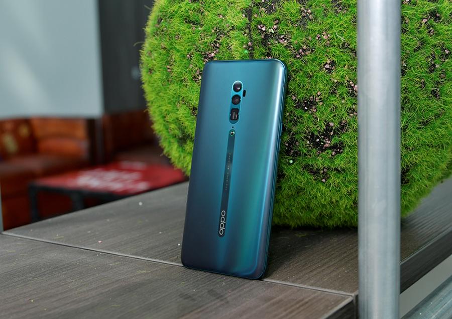 Reno 10倍變焦版6GB+128GB 版本7月1日全通路上市,搭配中華電信主打大4G購機方案,月繳999元,搭配30個月租期,手機只要NT$12,990元。.jpg