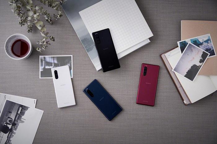 nEO_IMG_圖說一、Sony Mobile今0905於2019年IFA發表全新旗艦手機Xperia 5,輕薄美型,創意娛樂體驗,輕鬆一手掌握(3).jpg