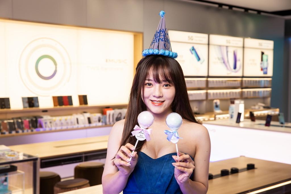 12月5日到vivo體驗店寫生日祝福小卡並加入粉絲團,可獲棒棒糖造型棉花糖。.jpg