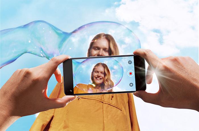 nEO_IMG_OPPO Reno5最新AI錄影美顏,讓消費者在錄影的同時,也能帶保持自然精確的客製化美顏_S.jpg