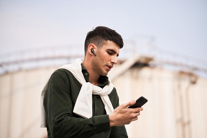 nEO_IMG_1MORE ComfoBuds Pro主動降噪耳機延續並升級了1MORE ComfoBuds舒適豆耳機輕巧無感的佩戴體驗.jpg