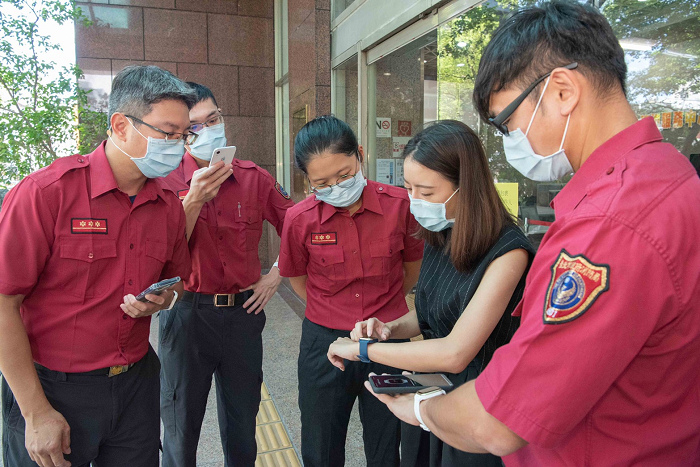 nEO_IMG_Garmin捐贈市值超過400萬智慧手錶Venu SQ,支援消防全天候健康監測.jpg