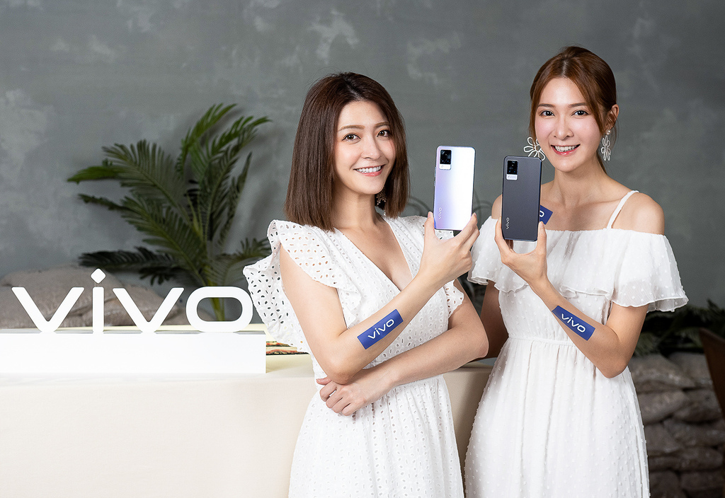 vivo最新自拍旗艦V21 5G,即日起開放消費者居家也能試拍體驗。.jpg