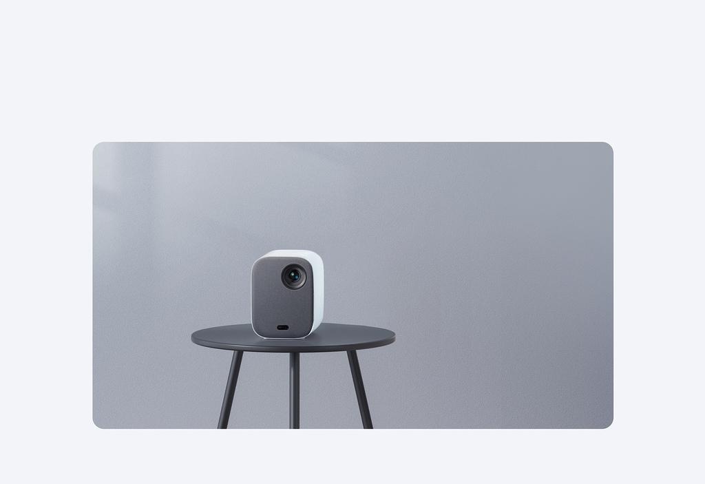 小米智慧投影機2提供1920x1080 Full HD高解析度顯示,輕巧便攜並具備多角度自動梯形校正和自動對焦功能,為用戶打造專屬的便攜式家庭劇院。.jpg