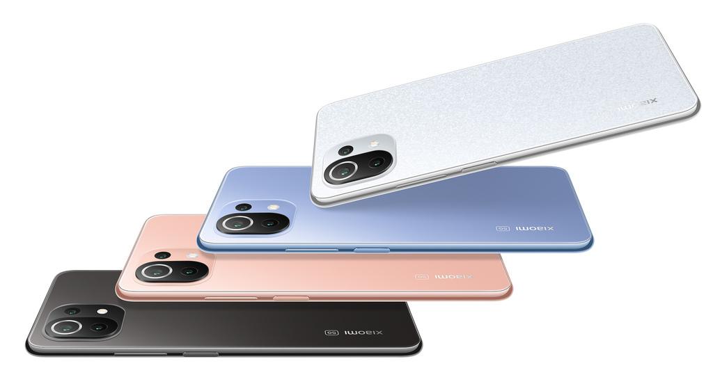 Xiaomi 11 Lite 5G NE將旗艦級性能融入超薄輕巧的機身中,同時提供四款亮麗時尚色系供選擇,展現時尚而引人注目的美感。.jpg