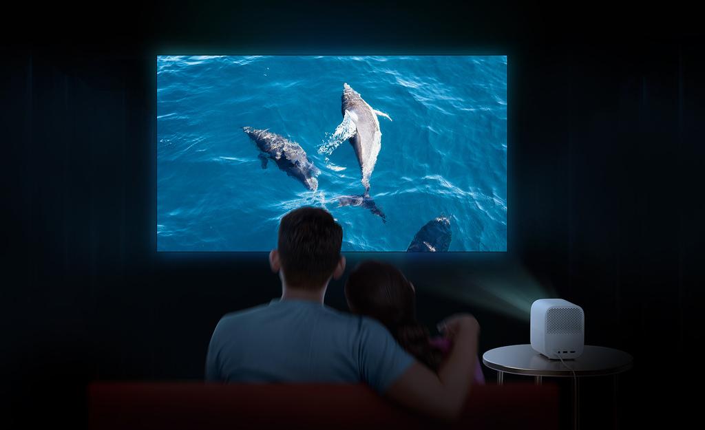 「小米智慧投影機 2」提供1920x1080p FHD高解析度,最高可投出120吋大影像,讓用戶享有劇院級沉浸效果。.jpg