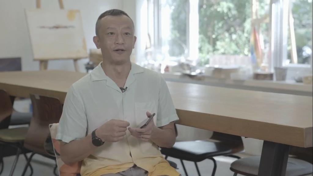 圖說一、Sony Mobile攜手第56屆金鐘獎最佳導演楊雅喆,以大師級手機Xperia 1 III推出全新動人力作《母娘的愛在滾》.jpg