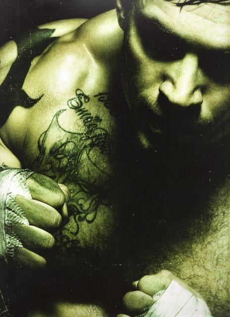 tom-hardy-warrior-shirtless-4