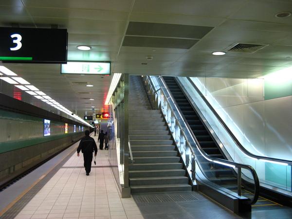 桃園站月台層