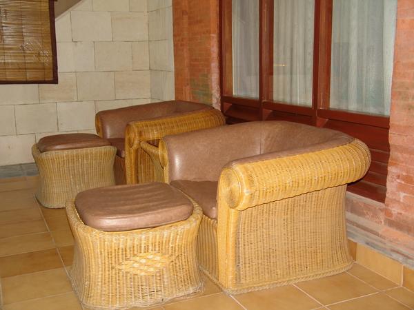 房間外座椅