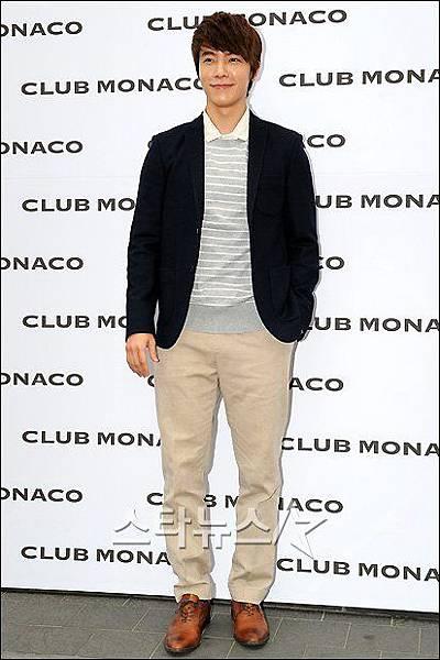 club_monaco_40