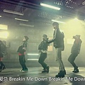 break_down_mv.mp4_000137095