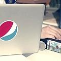 cola_infinite.mp4_000097875.jpg