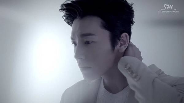 SUPER JUNIOR-D&E_(Growing Pains)_Music Video.mp4_000115281.jpg