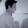 SUPER JUNIOR-D&E_(Growing Pains)_Music Video.mp4_000117283.jpg