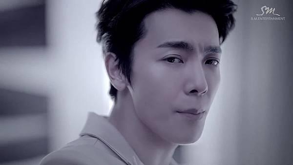 SUPER JUNIOR-D&E_(Growing Pains)_Music Video.mp4_000157323.jpg