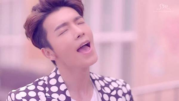 Super Junior _Magic_Music Video.mp4_000060435.jpg
