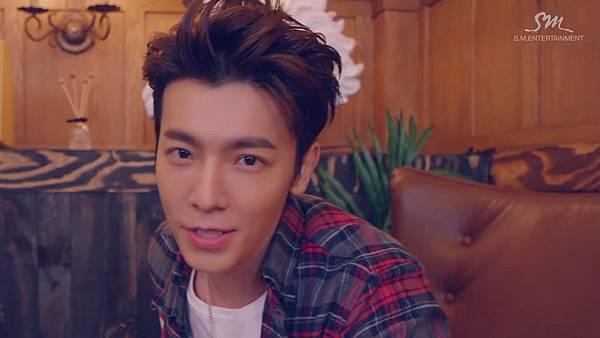 Super Junior _Magic_Music Video.mp4_000099474.jpg