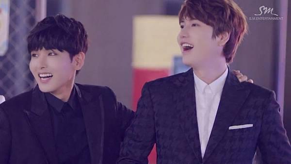 Super Junior _Magic_Music Video.mp4_000177552.jpg