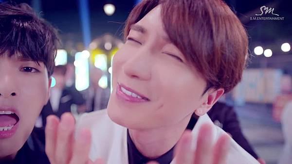 Super Junior _Magic_Music Video.mp4_000184559.jpg
