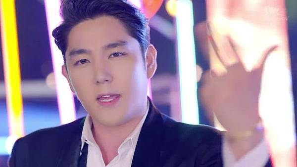 Super Junior _Magic_Music Video.mp4_000200575.jpg