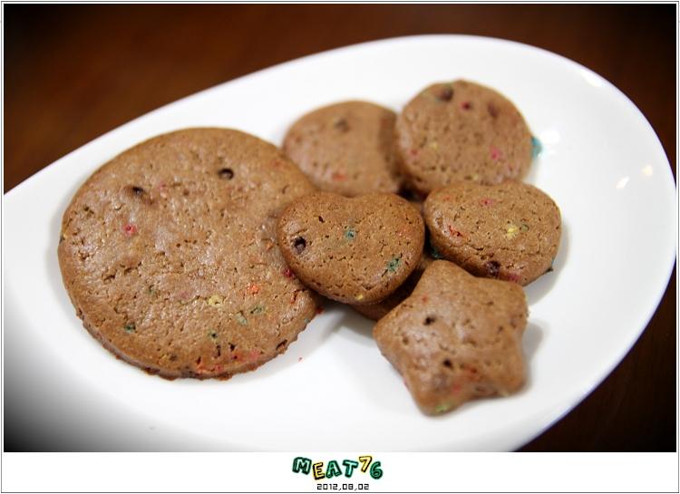 【蠟筆可可口糧餅】敗蘇拉颱風所賜,米特的第一次手工餅乾。101,08,02-001