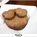 【蠟筆可可口糧餅】敗蘇拉颱風所賜,米特的第一次手工餅乾。101,08,02-009