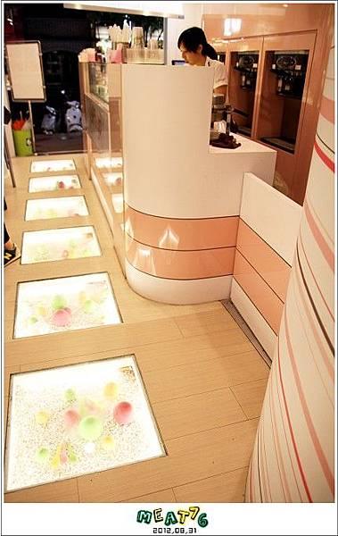 2012,08,31【YoFroyo】台北東區|冰淇淋店食記|綿密的零脂肪低卡優格冰淇淋,輕盈甜滋味011