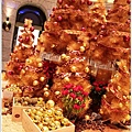 2012,12,14【聖誕節】2012聖誕樹特輯|台北信義區|貴婦百貨金碧輝煌的熱氣球幻想001