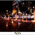 2012,12,14【聖誕節】2012聖誕樹特輯|台北信義區|貴婦百貨金碧輝煌的熱氣球幻想020