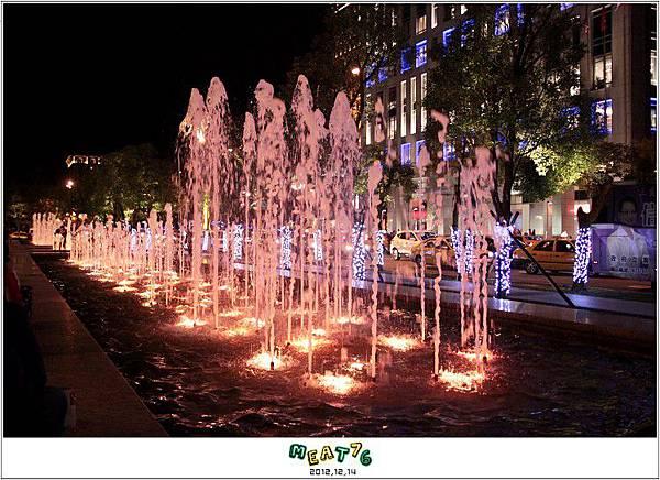 2012,12,14【聖誕節】2012聖誕樹特輯|台北信義區|貴婦百貨金碧輝煌的熱氣球幻想024