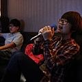2013,04,09,2【友聚】台北內湖好樂迪|大學|阿盧24歲生日夜唱071