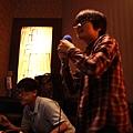 2013,04,09,2【友聚】台北內湖好樂迪|大學|阿盧24歲生日夜唱085