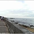 米特,味玩待敘部落格 © MEAT76|2013-07-14【旅遊紀錄】新北。萬里|龜吼漁港|海邊景觀區|台北難得的清澈海域,親近大海零距離。007.jpg