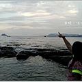 米特,味玩待敘部落格 © MEAT76|2013-07-14【旅遊紀錄】新北。萬里|龜吼漁港|海邊景觀區|台北難得的清澈海域,親近大海零距離。019.jpg