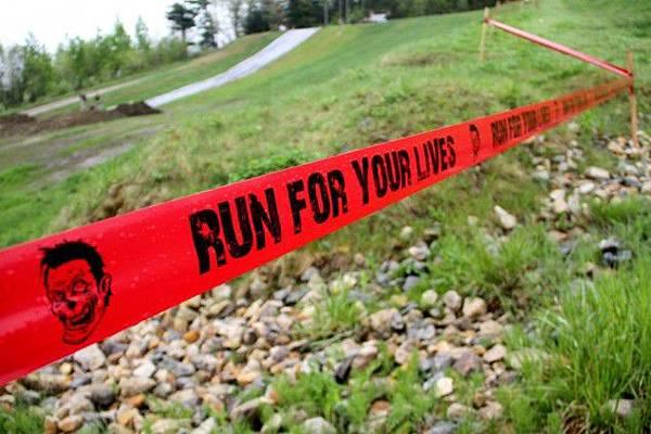 米特,味玩待敘部落格 MEAT76|2013-08-21-3【殭屍路跑活動】Run For Your Lives 5k|zombie race|全球最刺激的路跑,活命不簡單,當跑者不如當殭屍!001.jpg