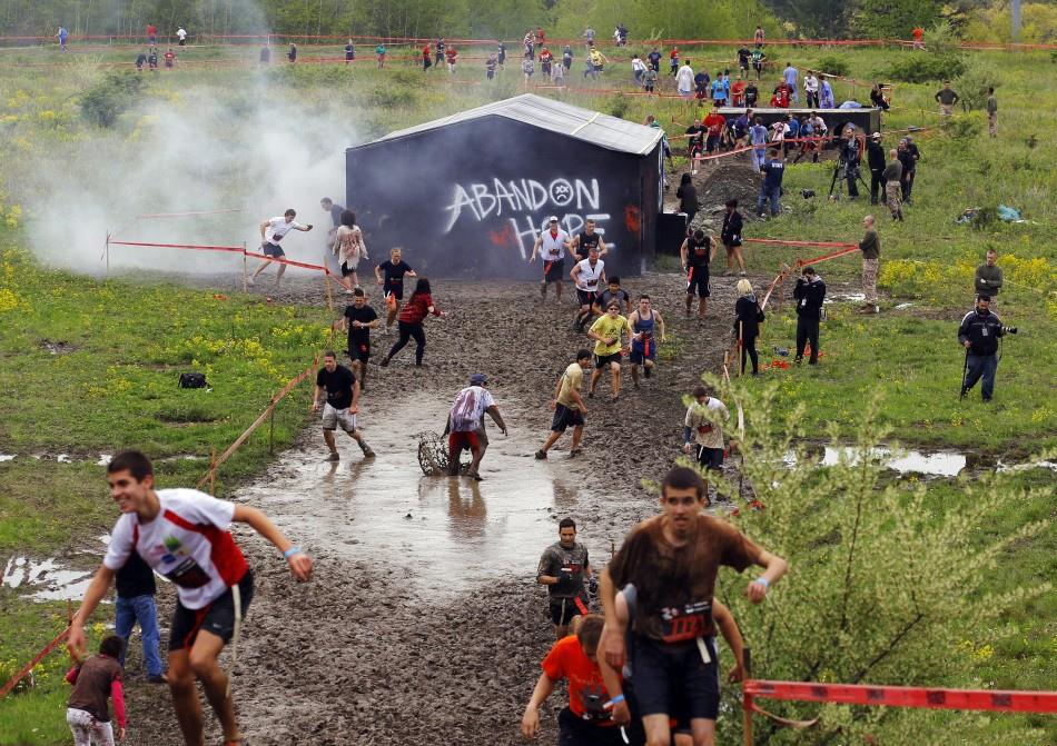 米特,味玩待敘部落格 MEAT76|2013-08-21-3【殭屍路跑活動】Run For Your Lives 5k|zombie race|全球最刺激的路跑,活命不簡單,當跑者不如當殭屍!003.jpg