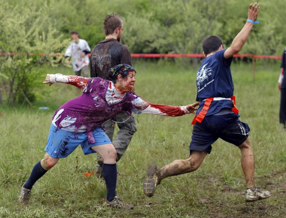 米特,味玩待敘部落格 MEAT76|2013-08-21-3【殭屍路跑活動】Run For Your Lives 5k|zombie race|全球最刺激的路跑,活命不簡單,當跑者不如當殭屍!007.jpg
