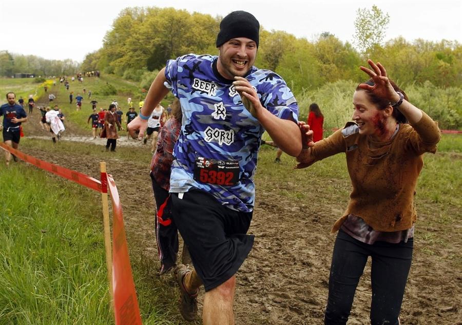 米特,味玩待敘部落格 MEAT76|2013-08-21-3【殭屍路跑活動】Run For Your Lives 5k|zombie race|全球最刺激的路跑,活命不簡單,當跑者不如當殭屍!012.jpg