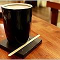 米特,味玩待敘部落格 © MEAT76|2012-05-23【內湖|咖啡簡餐】台北捷運文德站食記 [wifi網路插座]|be be cafe 貝貝咖啡|雜貨風的悠閒碧湖畔,咖啡與設計藝享空間。025.jpg