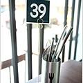 米特,味玩待敘|部落格 © MEAT76|2013-09-08-7【內湖 × 咖啡 午茶 簡餐】瓦法奇朵 Waffogato [wifi 插座]|台北捷運西湖站餐廳|童趣小空間與暖光的悠逸初會015.jpg