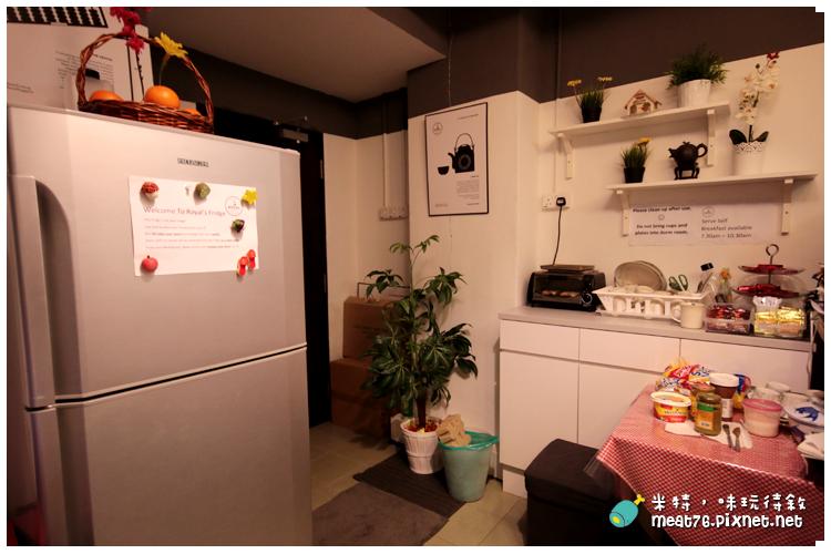 米特,味玩待敘|部落格 © MEAT76|台灣美食旅遊部落客|2014-03-14-5【新加坡牛車水。住宿】Royal Hostel|青年旅館|適合背包客的大空間便宜選擇 → 快鐵牛車水站 NE4 Chinatown Singapore015.png