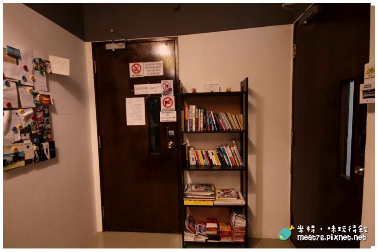 米特,味玩待敘|部落格 © MEAT76|台灣美食旅遊部落客|2014-03-14-5【新加坡牛車水。住宿】Royal Hostel|青年旅館|適合背包客的大空間便宜選擇 → 快鐵牛車水站 NE4 Chinatown Singapore024.png
