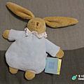 米特,味玩待敘 部落格 © MEAT76 台灣美食旅遊親子部落客 2015-05-19-2【寶寶安撫玩具】法國童思樂 trousselier 陪伴寶寶成長探索的音樂鈴安撫娃娃,讓媽媽輕鬆又放心 5M+ (歐盟無毒認證)009.png
