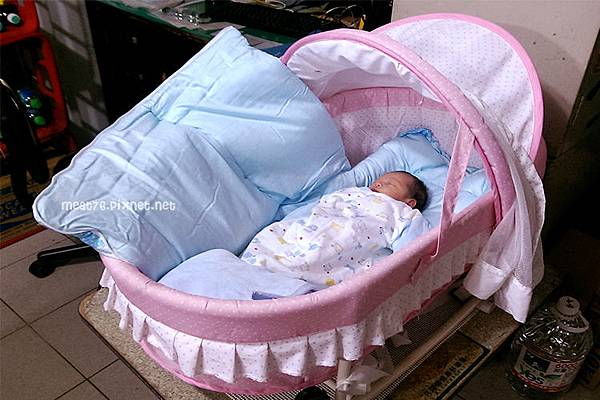 米特,味玩待敘|部落格©MEAT76|台灣美食旅遊親子部落客2015-11【嬰兒床選擇】羕寶寶的第一張嬰兒床真的好難下手啊!LEVANA+BENDI+GARCO+IKEA002.jpg