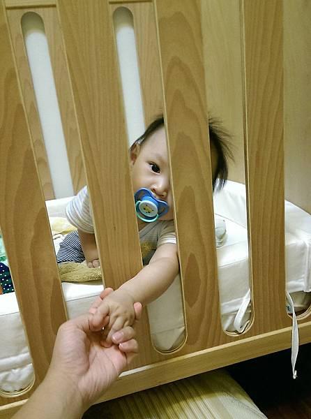 【小寶寶有問題】怕寶寶翹嘴巴?以後難戒奶嘴?奶嘴給不給吃其實應該問寶寶09.jpg