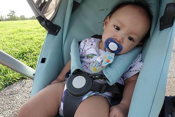 【小寶寶有問題】怕寶寶翹嘴巴?以後難戒奶嘴?奶嘴給不給吃其實應該問寶寶20.JPG