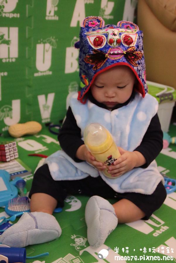 米特,味玩待敘部落格©MEAT76|2015-01-04-01【寶寶食記】豐力富幼兒成長奶粉1~3歲Fernleaf Nature|鑽石級Bbi得益式菌給一歲換奶寶貝自然保護力!副食品寶寶的便秘困擾也掰掰嘍~026.jpg