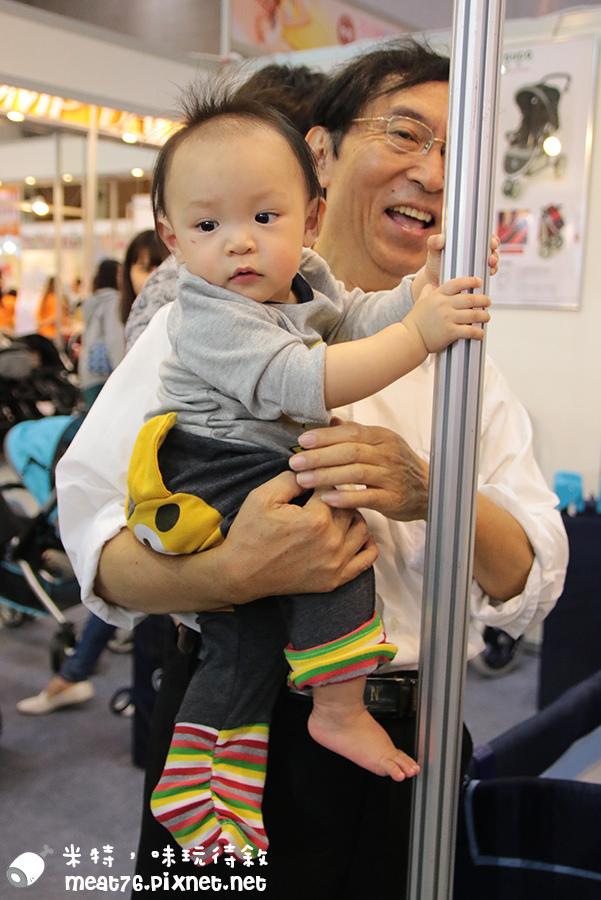 米特,味玩待敘部落格©MEAT76|2015-11-28-6【寶寶活動】小寶寶爬行大賽|2015五股嬰兒與孕媽咪用品展暨兒童博覽會|羕羕的第一場爬行大賽031.jpg