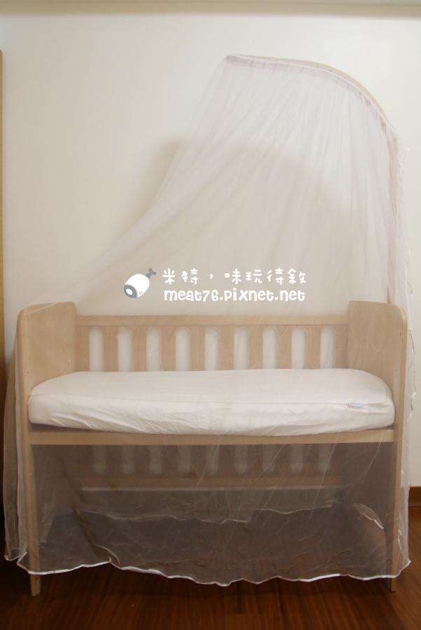 米特,味玩待敘台灣部落客©MEAT76|2015-05-24-7【嬰兒床開箱組裝文】睿兒國際BENDI I-LU wood 櫸木多功能嬰兒床|小羕的嬰兒床開箱組裝床邊床021.jpg